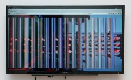Pascal Audet, Spectres sur Internet, 2017, art Internet, ordinateur, écran, écouteurs, souris, cartes. Photo: Guy L'Heureux